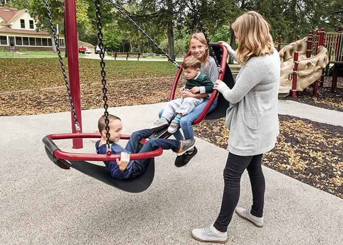 Friendship™ Swing